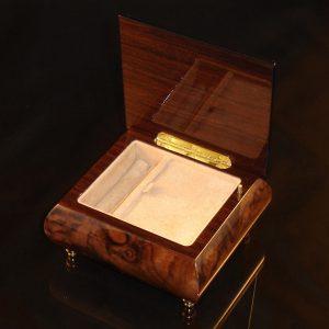 Italian Jewelry Box Burl Walnut 17A opened