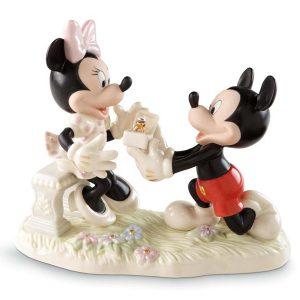 Minnie-Dream-Proposal-Lenox