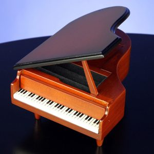 Brown-Piano-Musical-Jewelry-Box-opened