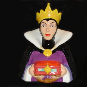 vintage-Evil-Queen-Cookie-Jar