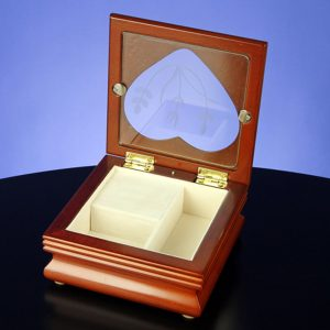 Heart-Window-Musical-Jewelry-Box-opened